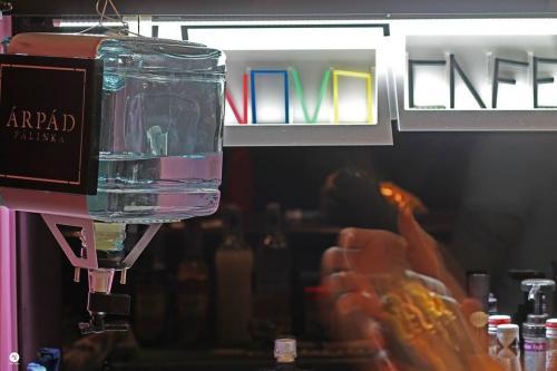 NOVO Café; CAFÉ Mi Újság; KASTÉLY Kávézó